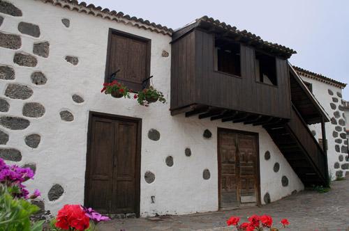 Arquitectura civil arte gevic gran enciclopedia for Escaleras exteriores para casas de dos pisos